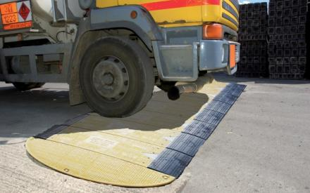 road_plate_lorry-sm